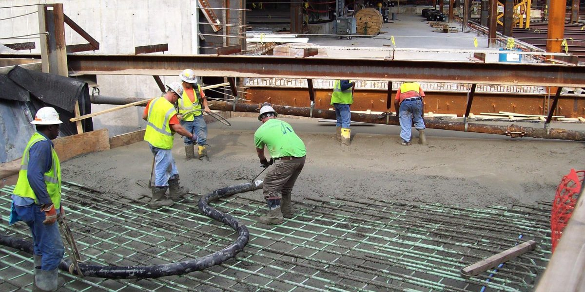 What Are The Average Costs For Pouring A Concrete Driveway?